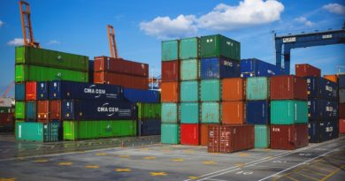 Helpful Tips for Selecting the Right Shipping Service